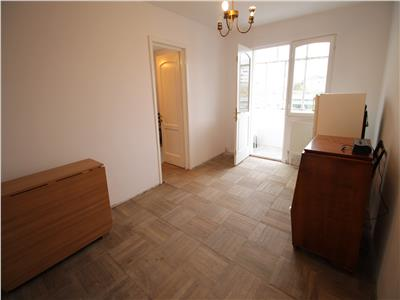 Bucegi - 2 camere - etajul 3 - renovat