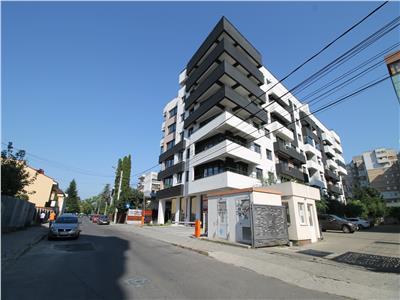 Apartament LUX, ultracentral, bloc TOPAZ, cu loc parcare propriu.